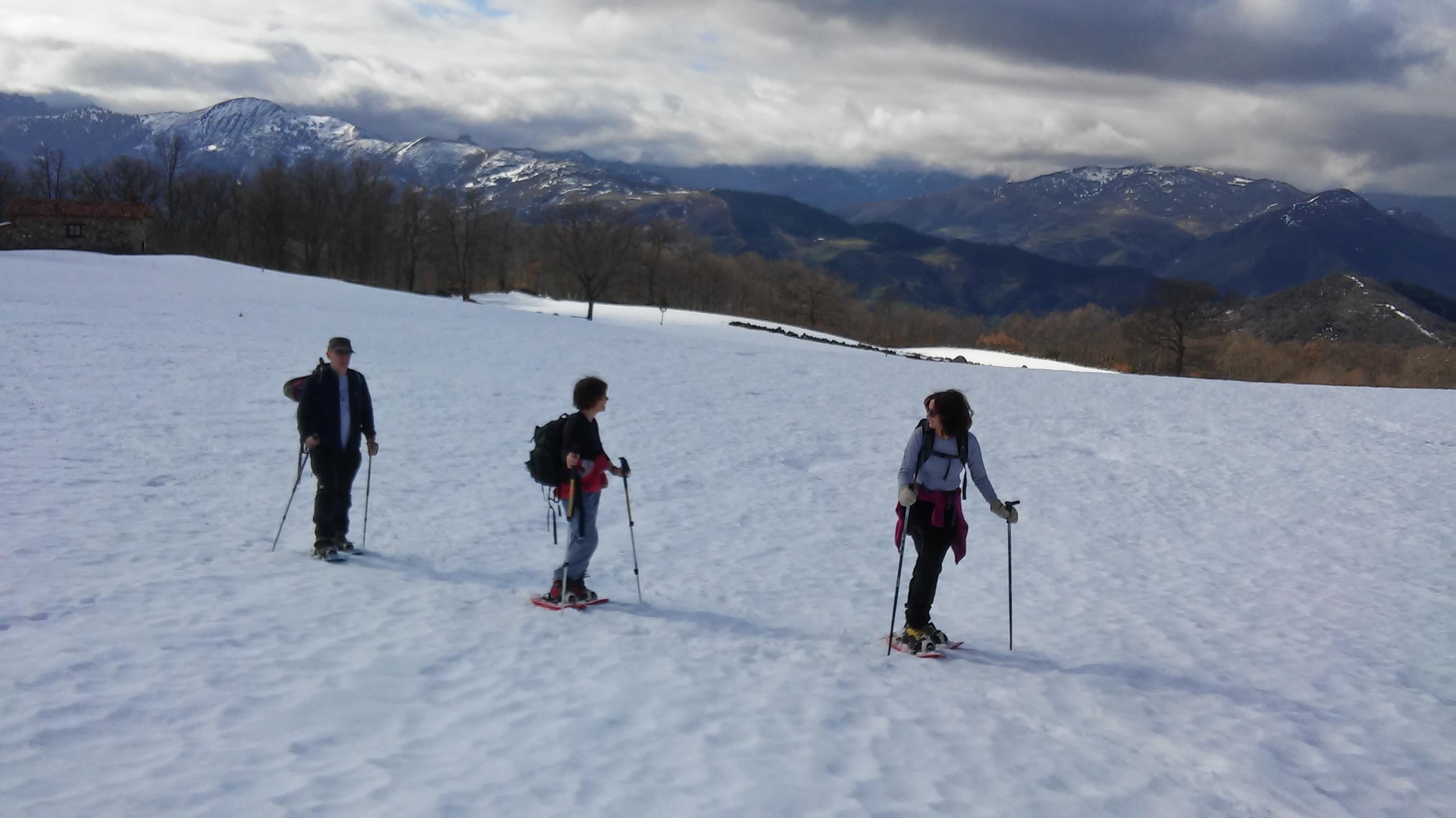 Raquetas de nieve en los apartamentos rurales Fuente de Somave