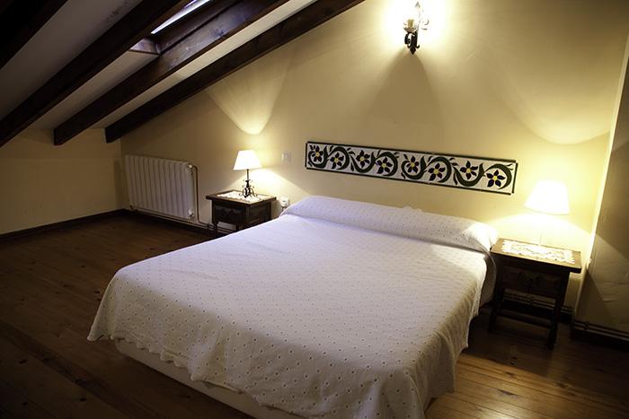 Foto dormitorio principal de apartamentos Fuente de Somave